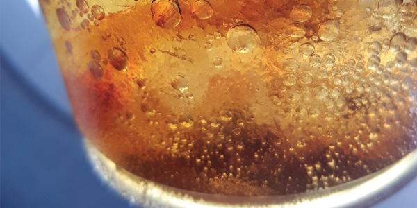 Le bevande sugar free danneggiano i denti?